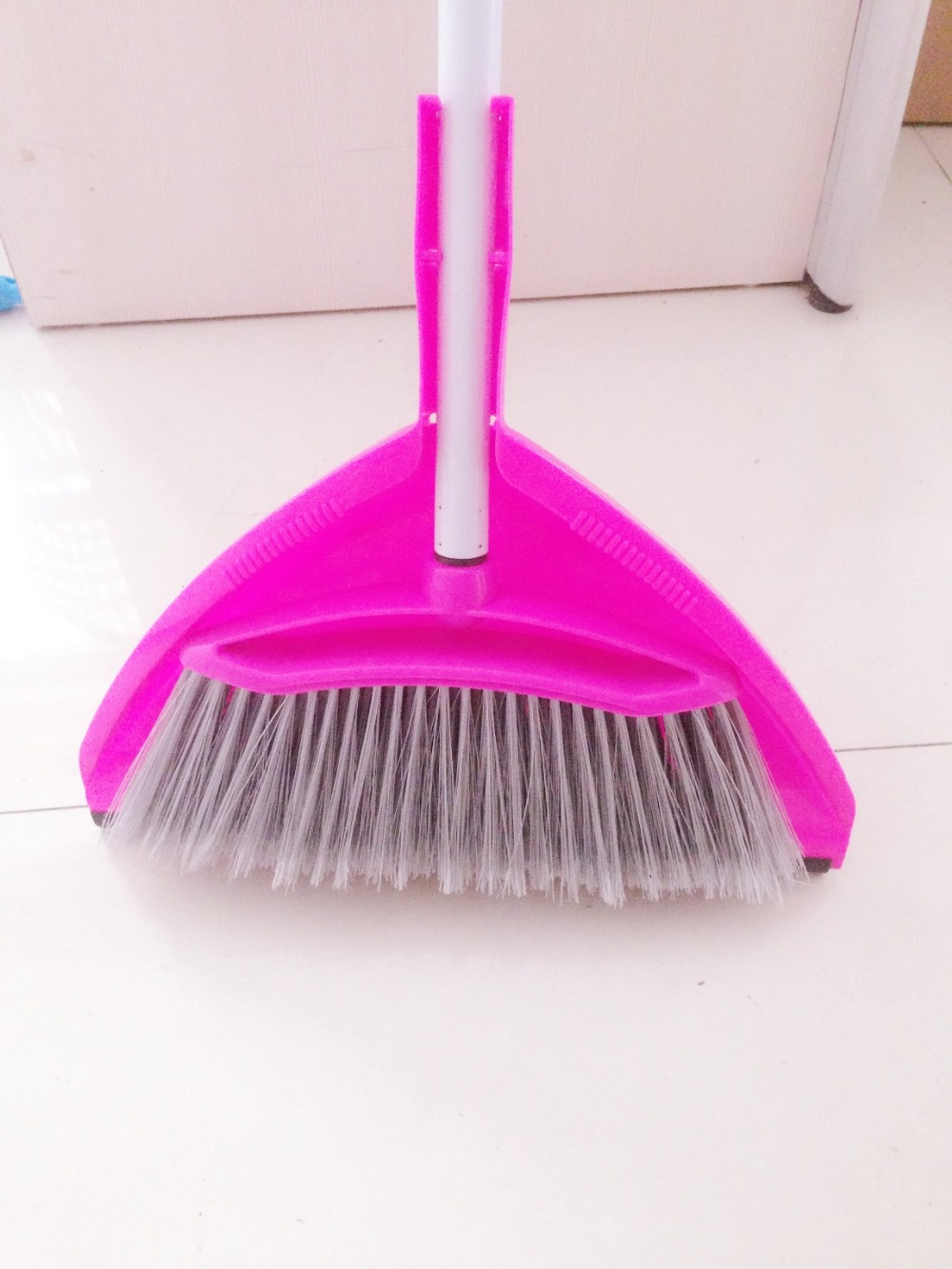 New design hot sale plastic sweeping broom and dustpan set