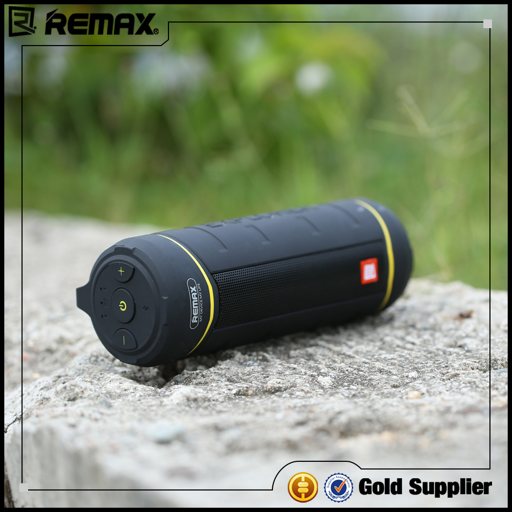 REMAX Sport Outdoor Blue-tooth Speaker with Wireless Mic