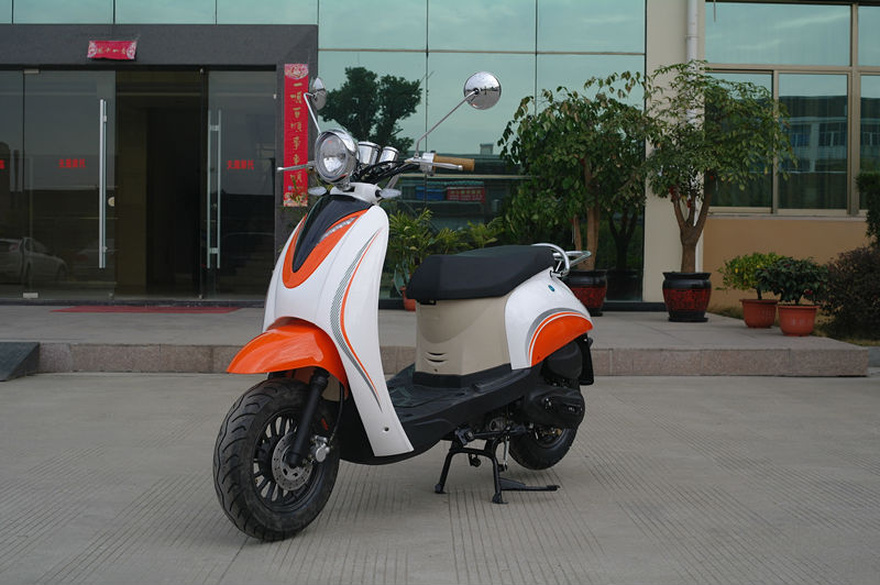 EEC gasoline scooter 50cc /2013 gas scooter new