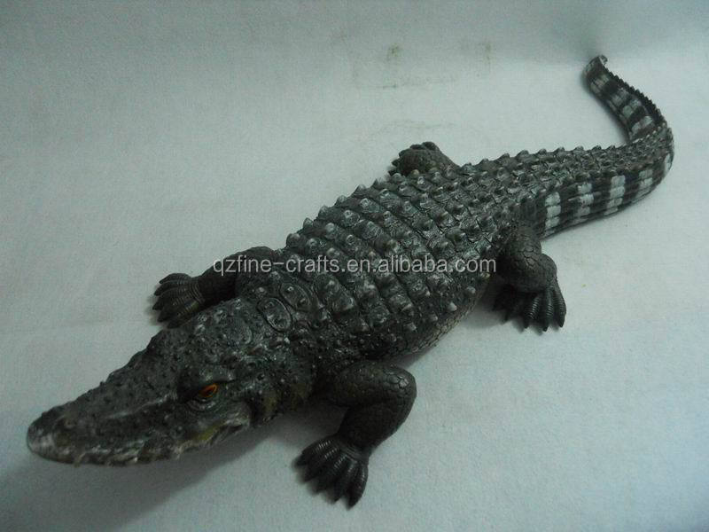 polyresin garden animal decoration of crocodile statue buy polyresin crocodile statue. Black Bedroom Furniture Sets. Home Design Ideas