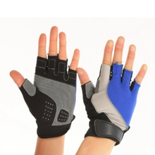 Hand gloves for gym / fitness gloves