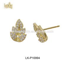 Hot selling jewelry design leaves shaped 18k solid gold cubic zircon pave earrings with safety backs