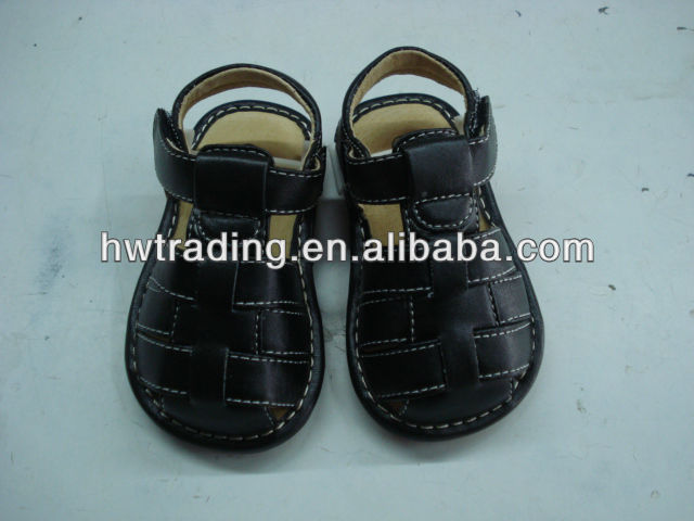 2013 newest boy squeaky sandal, squeaky shoes.