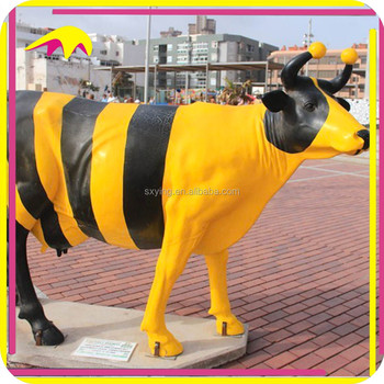 KANO0353 Outdoor Decorative Statue Fiberglass Cow For Sale
