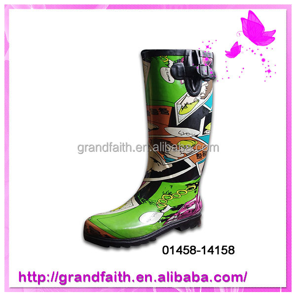 2014 High Quality New Design cute waterproof winter boots
