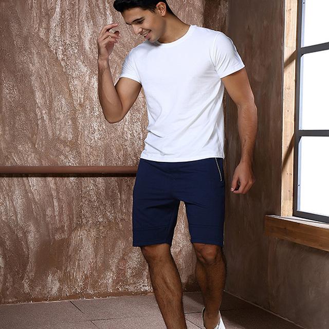 Men's causal short pants with zipper side pockets