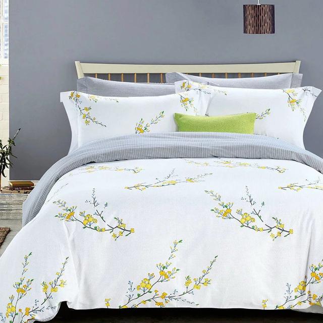 2017 New Arrival Floral Pattern Cotton Fabric Microfiber Filling Duvet/Comforter/Quilt