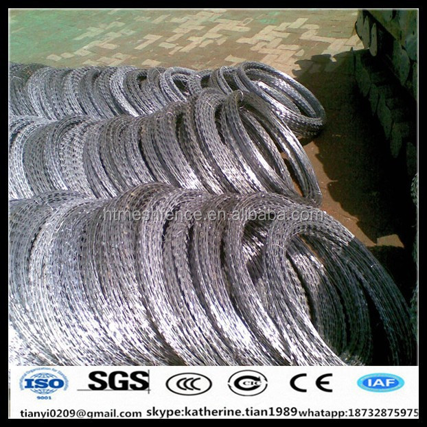 hot dipped galvanized bto28 Border razor wire concertina coil wire fence