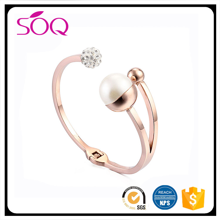 Women Trendy Jewelry Open Cuff 18K Gold Plated Fashion Style Crystal & White Pearl Bangles