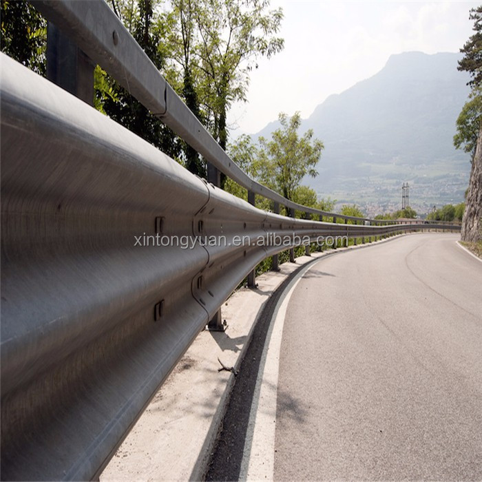 Plastic Chain Link Barrier Highway Guardrail