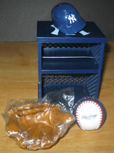New York Yankees promotional custom mini team Locker Helmet Glove Ball Set NEW 2006