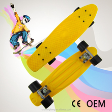 22 inch plastic PP banana deck skateboard with four wheels fish board single color