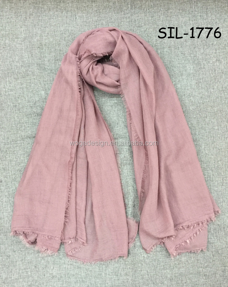 Wholesale yiwu hot sale large rayon viscose women plain solid Arab muffler scarf shawl wraps TR cotton hijab with trim around