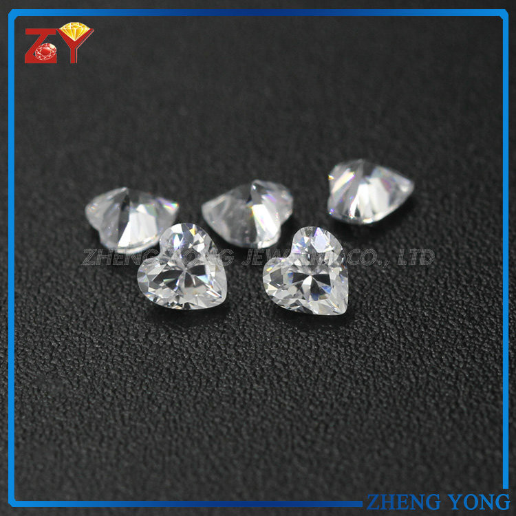 Heart shape clear white semi precious synthetic CZ stone