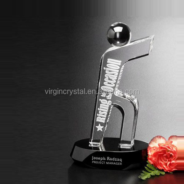 Funny Novelty Design Golf Player And A Big Golf Ball Crystal Golf Trophies Award Souvenirs