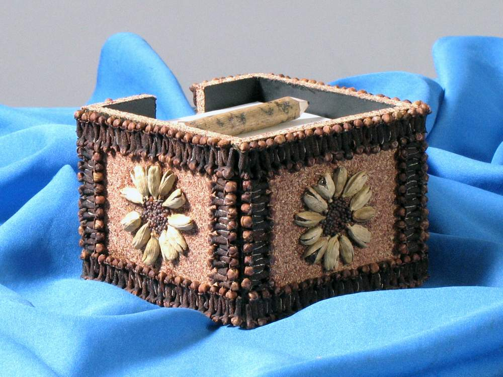 Clove Note Holder, Pencil Holder