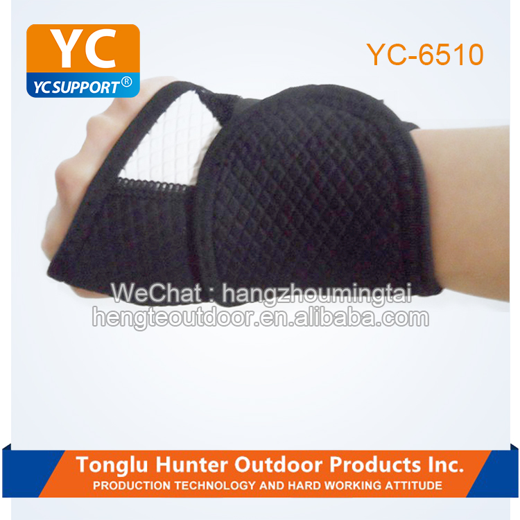 Eco-friendly durable custom sports wrist support Embossed neoprene wristband