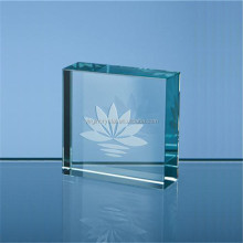 Cube kristal crystal glass paperweight with 3d laser engraved lotus flower