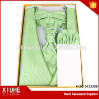 Green latest cheap custom fashion mens vest wedding suit