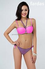 Adolescents en bikini nouveau bikini
