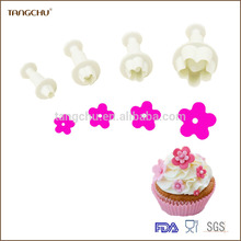 The plum blossom shape plastic plunger cutter/cookie cutter set/embossed mold