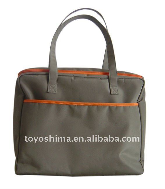 Large tote bag with zipper