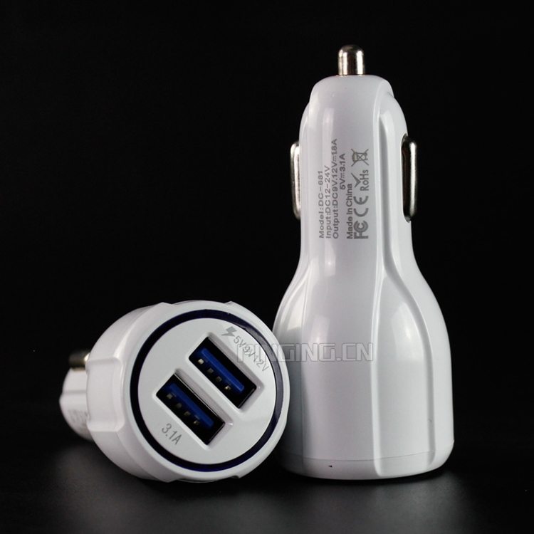 Promotional 5v 3.1a 2 usb universal car charger for laptop and mobile