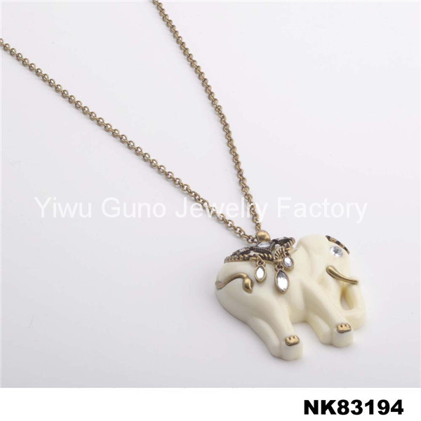 simple gold elephant necklace animal pendant necklace