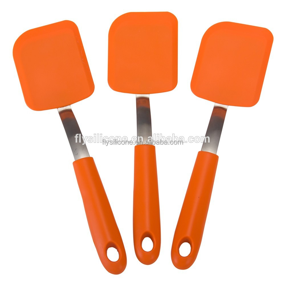 Red Silicone Christmas Spatula For Frying And Egg Cooking