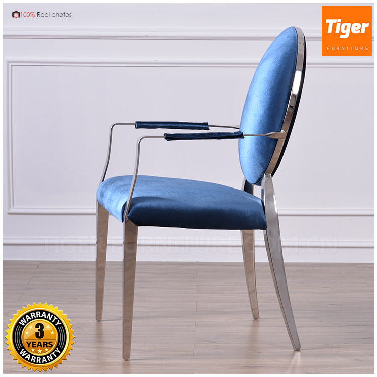 2017 new foshan mid century living room furniture blue velvet metal frame armchair