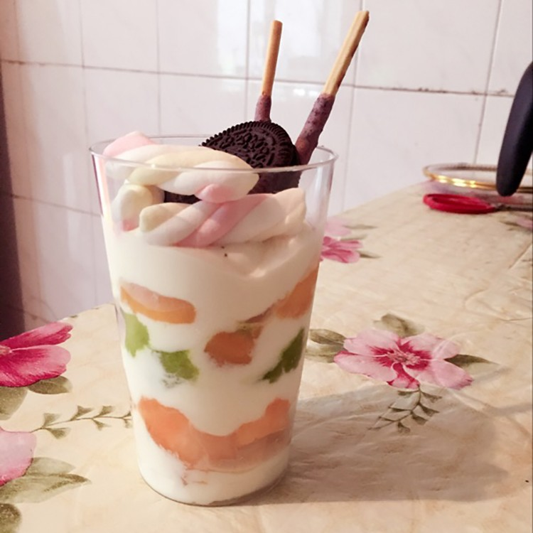 ice cream plastic parfait disposable cups with lids