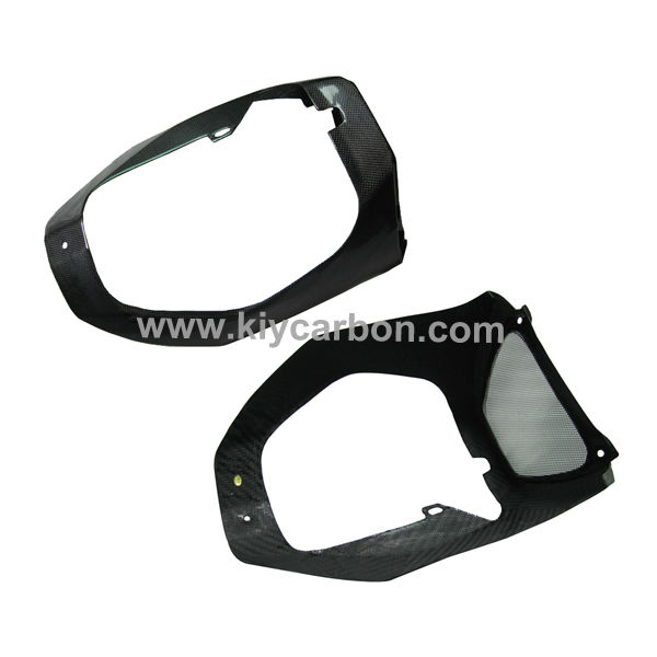 Carbon fiber belly pan for Aprilia Tuono V4