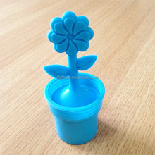 Novelty Insulated Food grade Flowerpot Shape silicone Tea Infuser Steeper Strainer With Handle