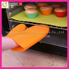 Good quality heatproof microwave oven use silicone hand gloves,top rack dishwasher safe cute animal silicone gloves