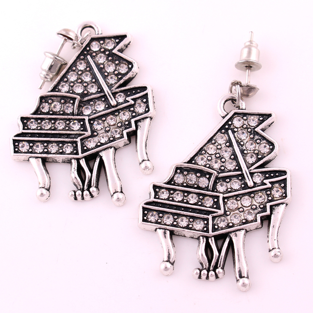 IMG4975 Yiwu Huilin Jewelry wholesale Modern latest design of crystal piano pendant fashion earring for women's dresses