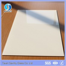 Silk screen printing plain white glass for table top and kitchen splash board