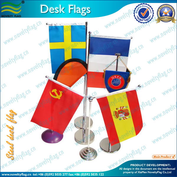 Quality table flag with flagpole (*NF09M03018)