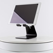 2017 Hot New Product Universal Aluminum Metal Desktop table Stand for all tablets ipad