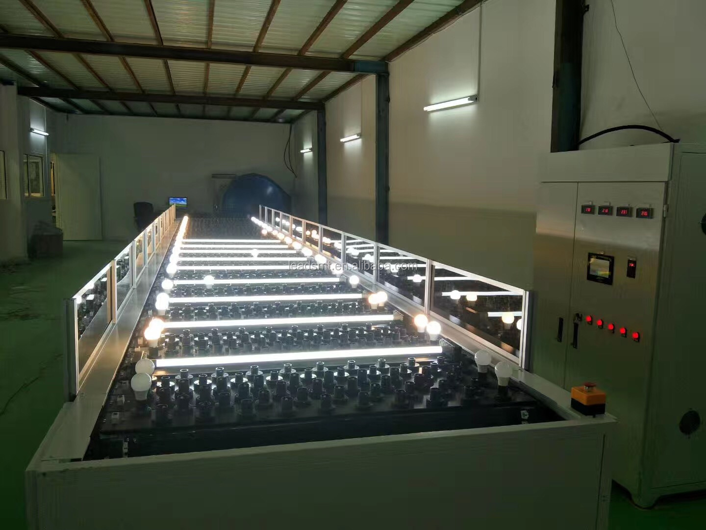 Nieuwe LED fabriek set up LED lamp/strip/buis lampen montage making machine lijn