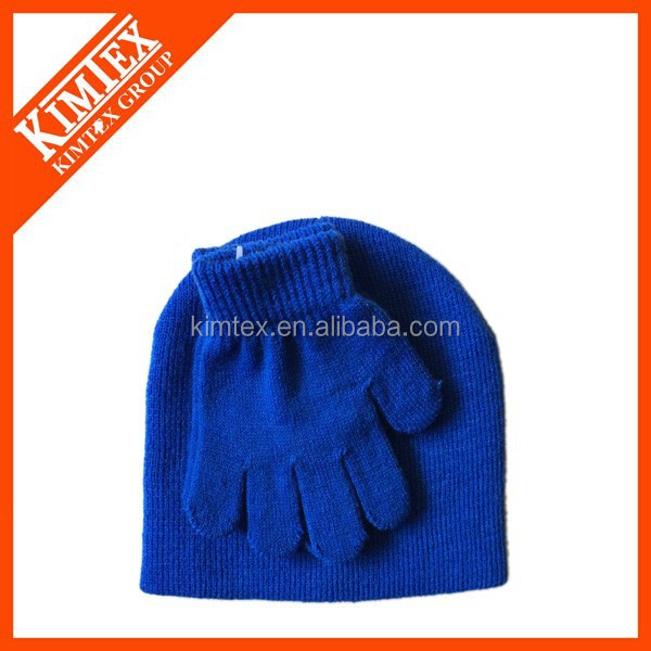 Knitted acrylic beanie gloves set