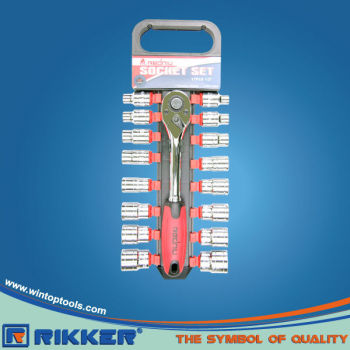 SOCKET WRENCH SET 17PC