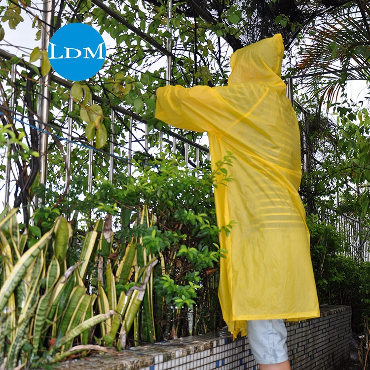 popular plastic yellow rain coats and oem rain coats