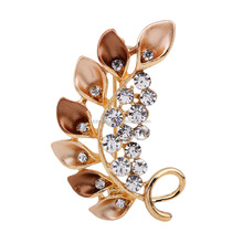 Fashion design gold plating crystal pave leaf shaped fancy women scarves brooch pin stock