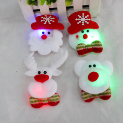 Hot sale festival items fashion Christmas party supplies animals Christmas brooch with lamp