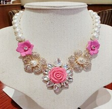 C28113A Women Floral Short Jewelry