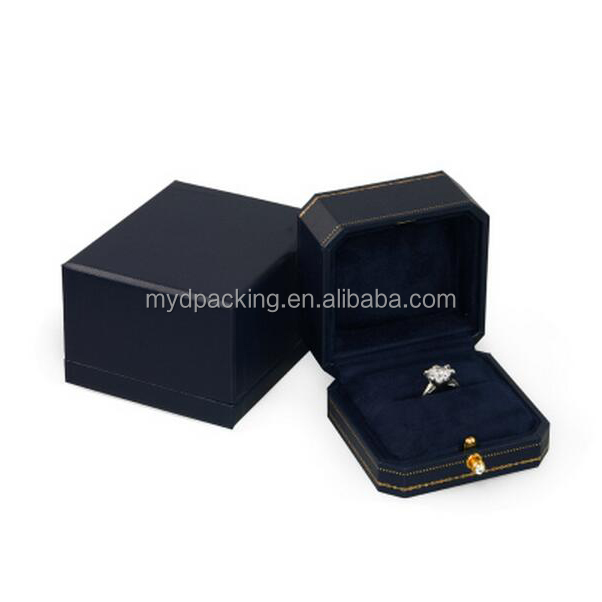 China famous brand velvet lining hot stamping box custom ring box jewelleri ring box