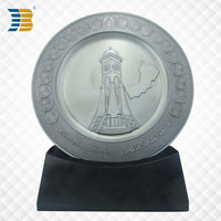 custom metal souvenir plate with wooden base