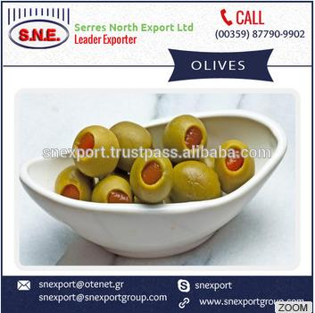 Natural and Fresh Garlic Stuffed Green Olives for Sale