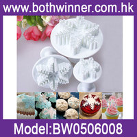 3pcs Snowflake Cake Decorating Plunger Cutter Pasty Sugarcraft Fondant Mold Tool
