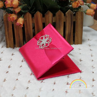 2015 fantastic wedding invitations silk boxes with brooch